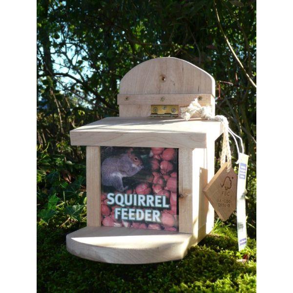 Wildlife World Squirrel Feeder