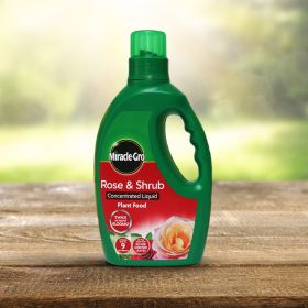Miracle-gro Rose and Shrub Liquid Plant Food 1 Litre