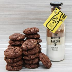 Bottled Baking - Un-BEE-lievable Choco-Honey Cookies Mix